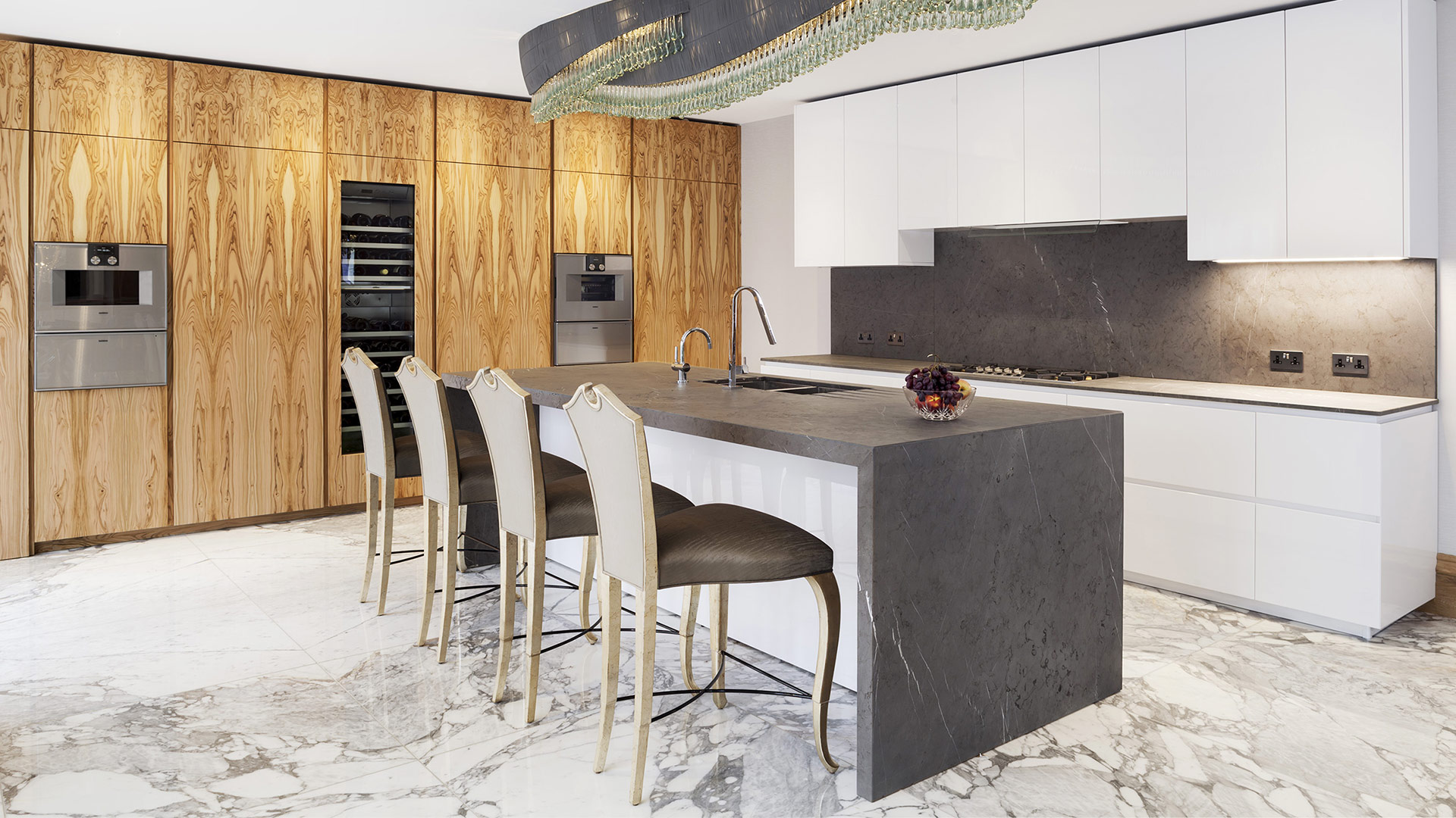 Cucina in legno di ulivo e pietra di Corinto progetto made ...