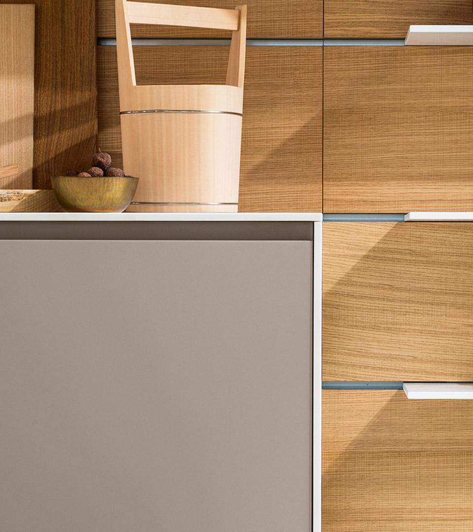 Freestanding modern kitchen in Corian | TM Italia 2018 Kitchens Collection - TM_CAT_K6_DETTAGLIO-CONCEPT-2-1