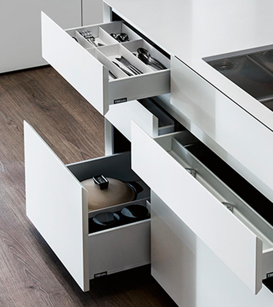 Freestanding kitchen with island   TM Italia 2018 Kitchens Collection - TM_CAT_RE_T30E_DETTAGLIO-CONCEPT-2-1