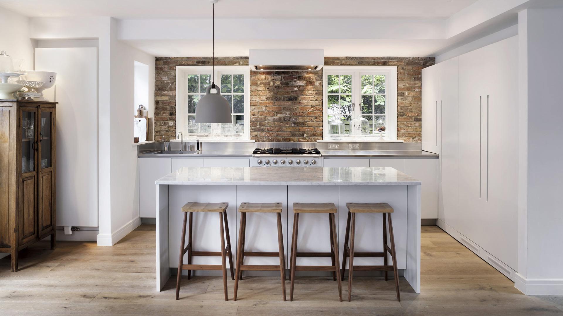 Misure Isola Centrale Cucina cucina con isola con top in pietra e isola centrale su misura
