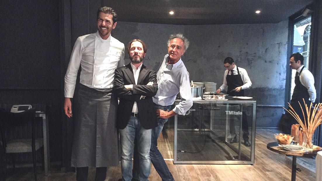 Passepartout, una solida showkitchen in cristallo e acciaio al Cibus 2016 - Cucine su Misura | TM Italia Cucine - gallery-berton-gianluca