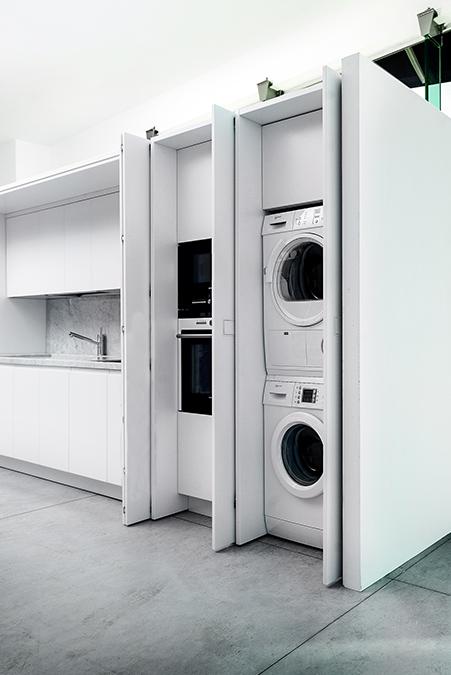 Cucina e Living: soluzioni su misura per arredare l'open space - 2-DOTAZIONIASCOMPARSA-200810-lavanderia