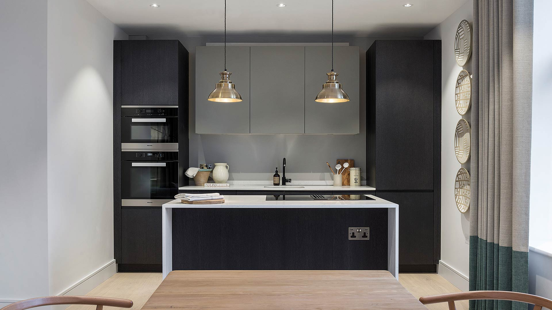 Fitted Kitchen with island and built-in linear composition   TM Italia - 20181101_TMItalia_realizzazione_cucinalineareconisola_01