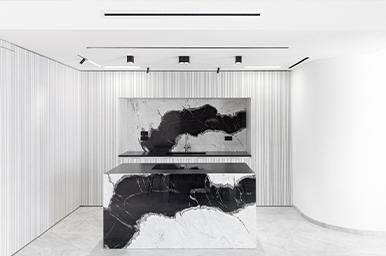 202105 – Corner layout kitchen with central island